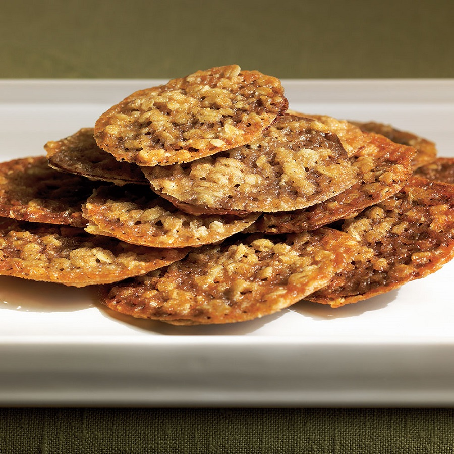 recipe for oatmeal lace cookies from @EATMYMEMOIR by Ann landi